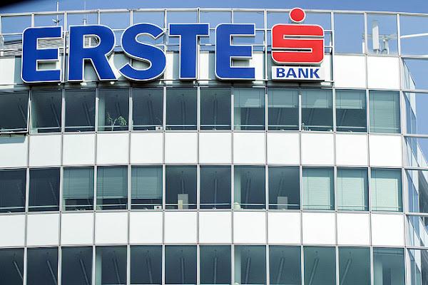 24fae076044d Felére csökkenti a kedvezményt az Erste a Wizz Air hitelkártyáknál