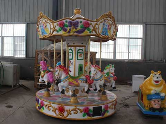 Kiddie carousel with 6 seat
