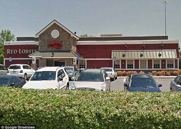 Miss Jenkins served Mr Barnes and his wife last month at the Red Lobster location in Cool Springs, Tennessee