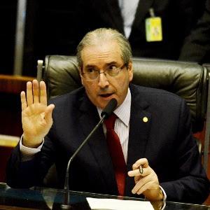 15dez2015---o-presidente-da-camara-dos-deputados-eduardo-cunha-pmdb-rj-preside-sessao-na-casa-1450297175996_300x300