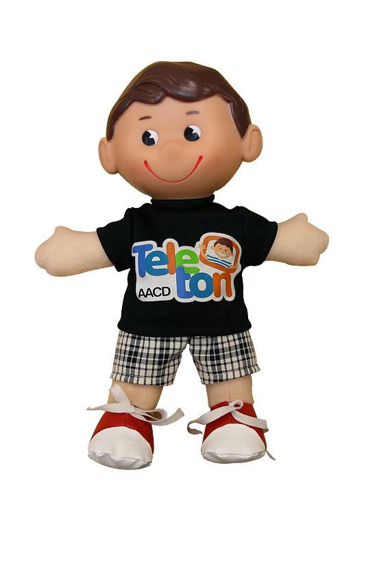 O boneco Tonzinho, da AACD, é entregue a quem doa R$ 60 no Teleton
