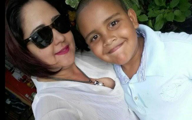 """""""Meu dia escureceu"""", diz mãe de menino morto em acidente com o pai"""