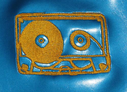 tape bib detail