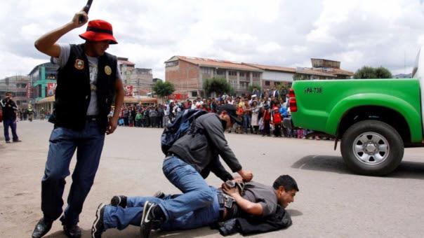 En los últimos años, la delincuencia juvenil ha aumentado en la capital peruana.