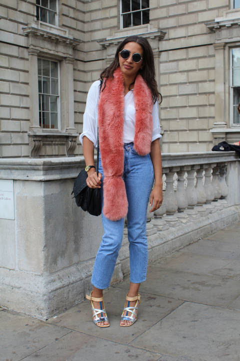 Breda wears: Scarf: Miss Selfridge, Jeans: Vintage, Shades: Zara, Shoes: Missoni, Bag: Zara