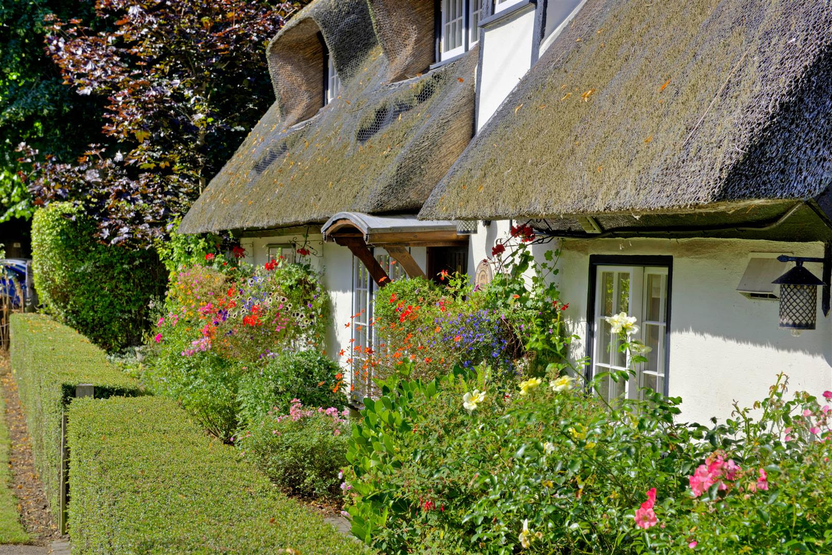 Modern country style quintessential english cottage tour for English cottage style homes for sale