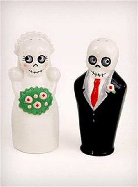 RARE Vintage Old Couple Man Woman Salt & Pepper Shakers w