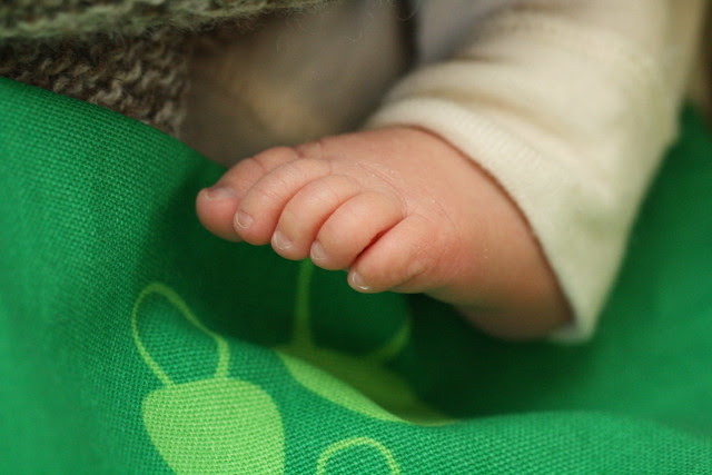 Oliver feet