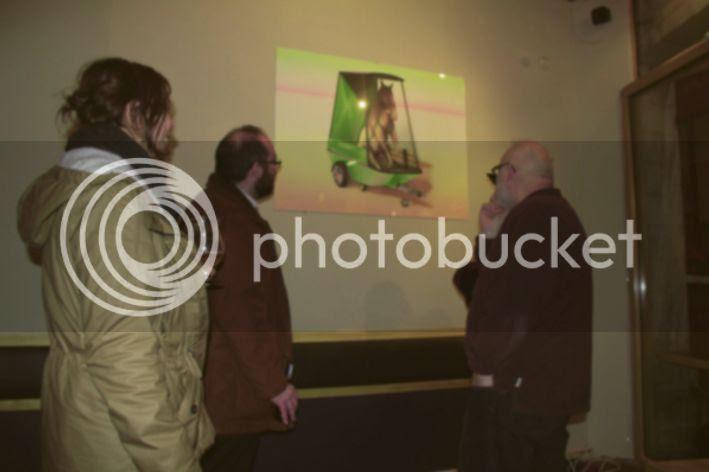 Public d'expo 01, Photo du public de l'exposition de Pierre-Guilhem Au lycaon