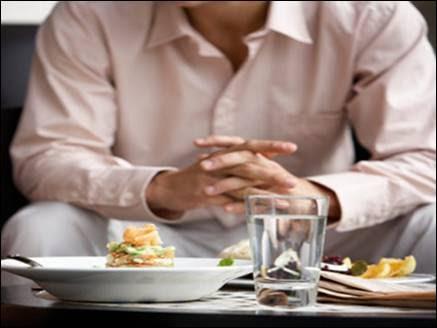 रेस्टोरेंट में ग्राहकों को पिलाया सीवर का पानी, मैनेजर गिरफ्तार
