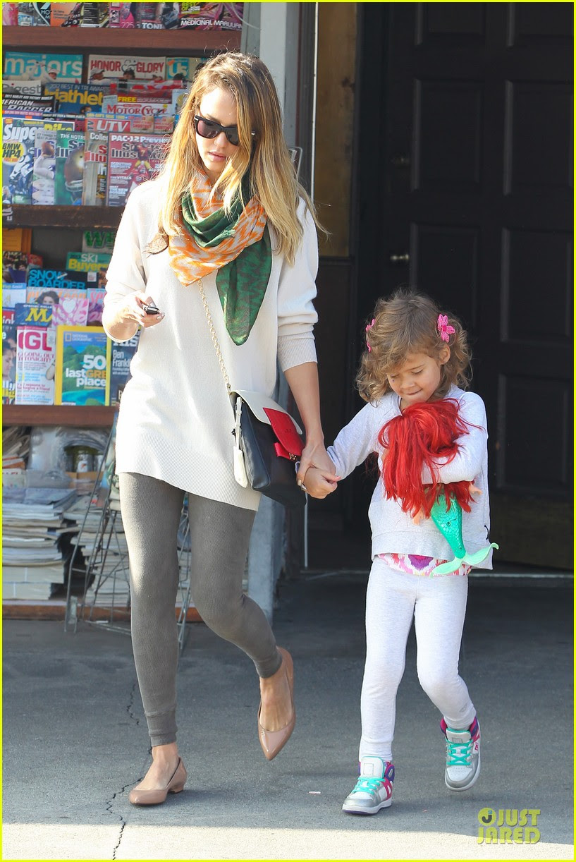 jessica alba holiday shopping with honor 08