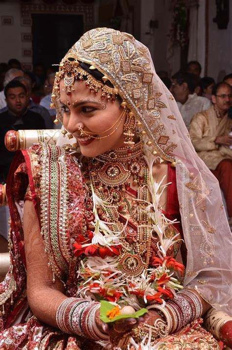 Khushbu & Paras' Big Fat Guju Wedding {Ahmedabad