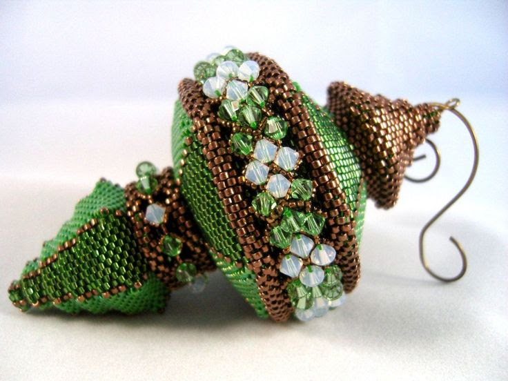 Pattern / Tutorial Beaded Christmas Ornament. $25.00, via Etsy.