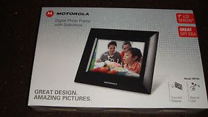 New Motorola Digital Photo Frame With Slideshow 7 Lcd Mf700 Screen