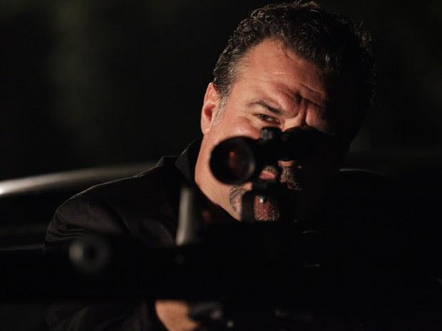 Russo atira contra Helô (Foto: Salve Jorge/TV Globo)