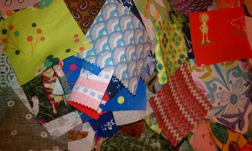 Pile-o-scraps by aviva_hadas