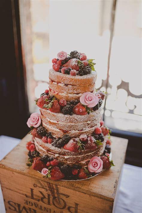 Best 25  Victoria sponge wedding cake ideas on Pinterest