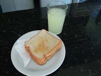 Sanduíche com suco é opção para antes de andar de bicicleta. (Foto: Katherine Coutinho / G1)