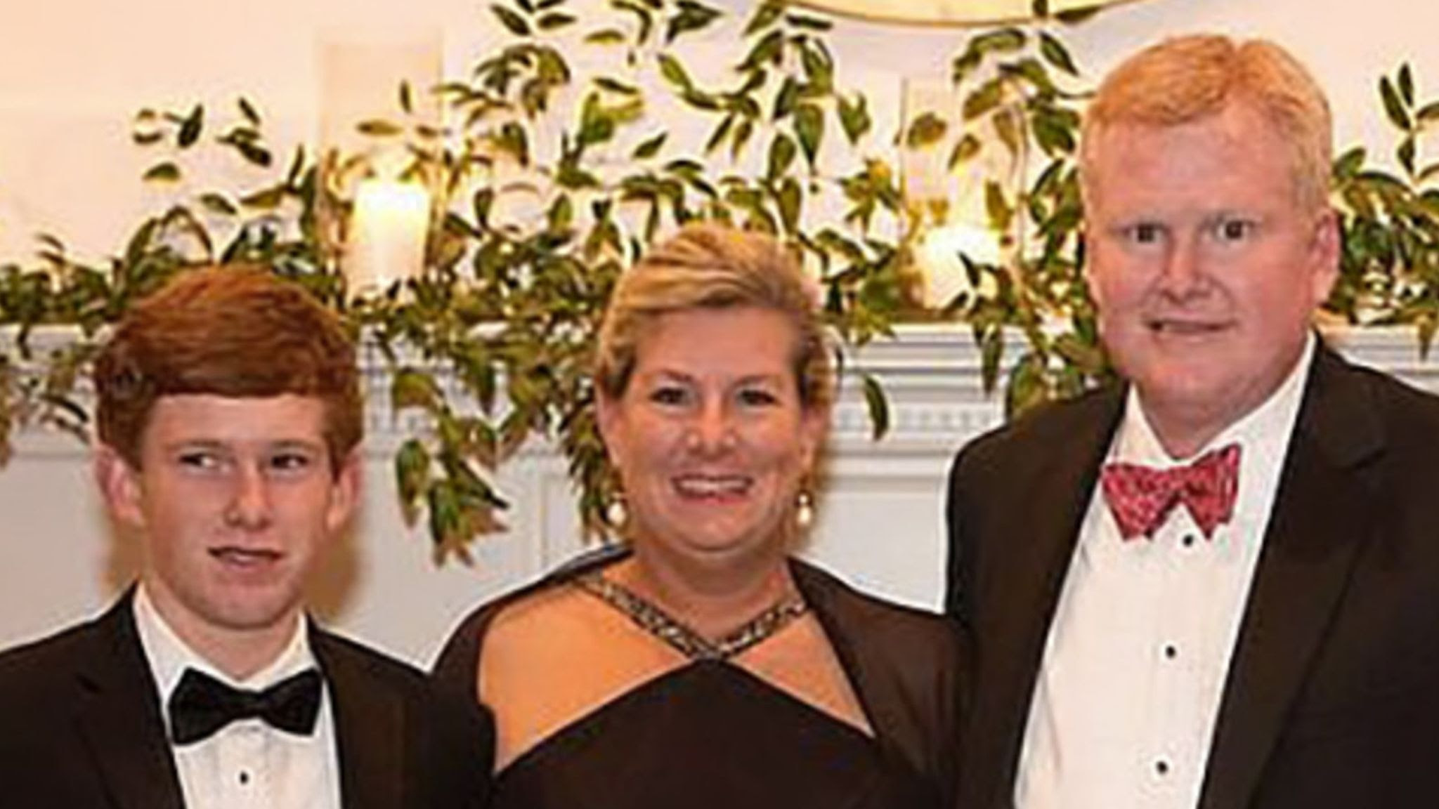 Alex Murdaugh: Lawyer accused of arranging own shooting for $10m insurance payout months after murder of wife and son