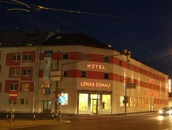 Lenas Donau Hotel Reviews