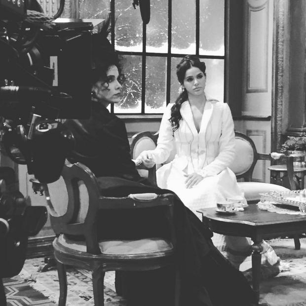 Bruna Marquezine e Débora Falabella (Foto: Reprodução/Instagram)