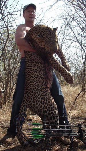 Walter Palmer with a leopard shot in Zimbabwe.