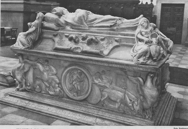 Sepulcro del Cardenal Tavera a comienzos del siglo XX. Foto Rodríguez