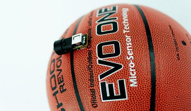 Bola de basquete inteligente' tem sensor que aperfeiçoa arremessos