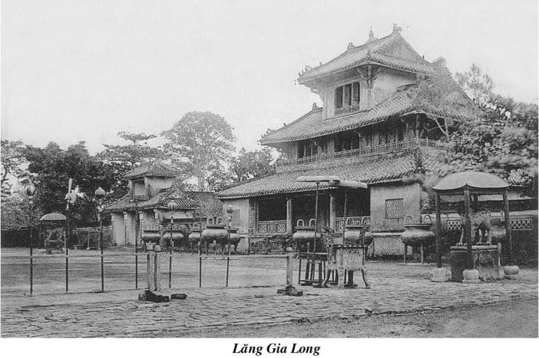 lang-gia-long-xua