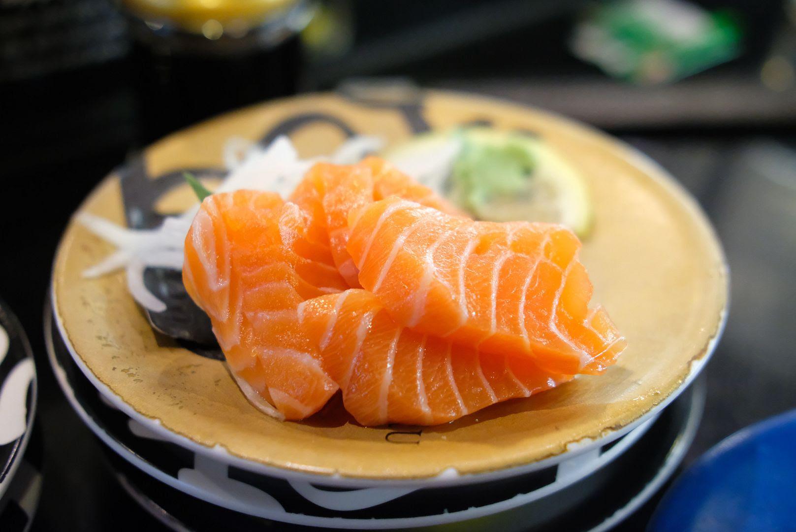photo sushi hotaru melbourne sushi train.jpg