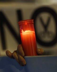 Vista de la manifestación que la plataforma #NoMásCortesDeLuz ha convocado en Madrid, contra la pobreza energética. EFE/Kiko Huesca