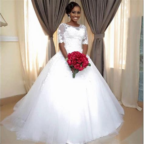 African 2017 Newest Vintage Ball Gown Lace Half Sleeve