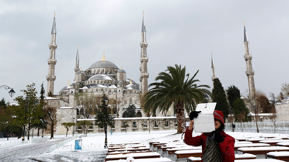 The Ottoman-era Sultanahmet Mosque, also known as the Blue Mosque, in Istanbul. (REUTERS/Murad Sezer)