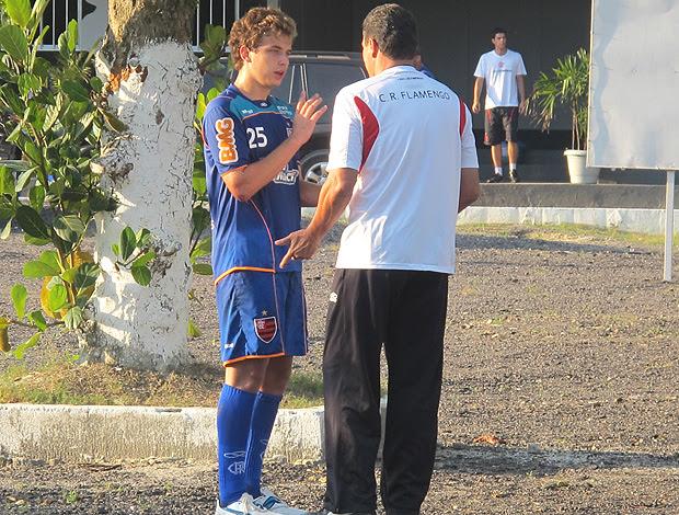 Luxemburgo e Thomas conversam no treino do Flamengo  (Foto: Richard Souza / Globoesporte.com)