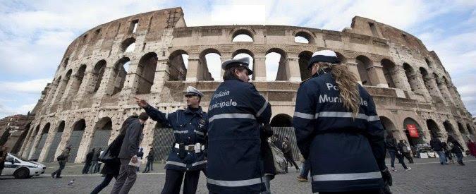 """Vigili assenti a Roma, Grillo: """"Noi stiamo con loro. Accanimento pro Jobs act"""""""
