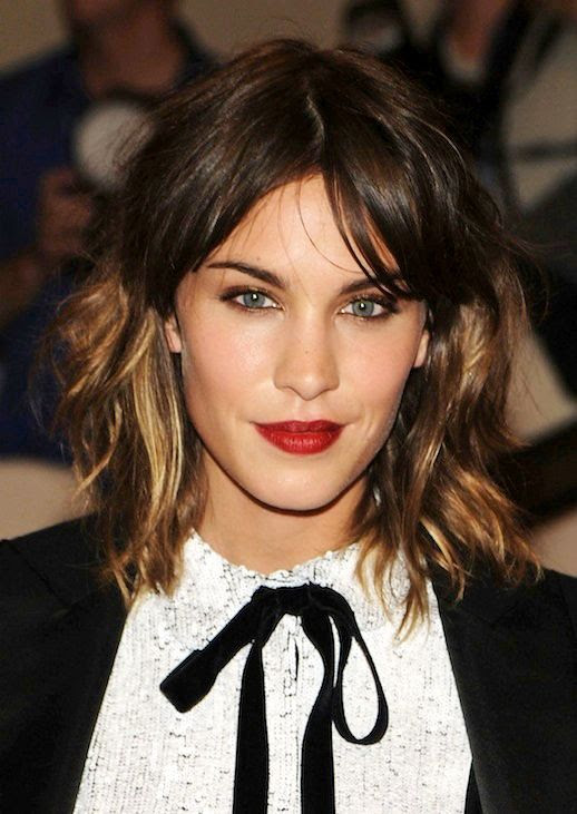 Le Fashion Blog 7 Dark Ombre Hair Looks Inspiration Alexa Chung Balayage Wavy Long Bob Hair Cut Red Lipstick Bangs Shaggy Hairstyle 3 photo Le-Fashion-Blog-7-Dark-Ombre-Hair-Looks-Inspiration-Long-Bob-Alexa-Chung-3.jpg