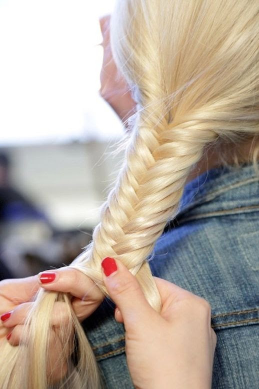 Le Fashion Blog -- 30 Inspiring Fishtail Braids -- Hair Style Blonde Low Braid -- Via Get The Gloss -- photo 29-Le-Fashion-Blog-30-Inspiring-Fishtail-Braids-Hair-Style-Blonde-Low-Braid-Via-Get-The-Gloss.jpg