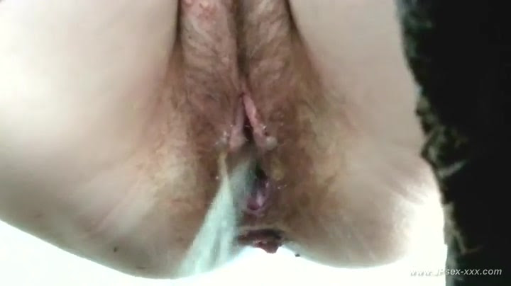 chinese girls go to toilet.28   HClips - Private Home Clips
