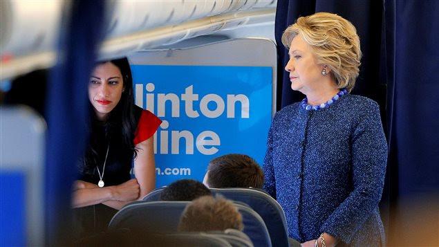 Le clan Clinton tente de reprendre le contrôle de la situation depuis la bombe lâchée par le FBI vendredi.