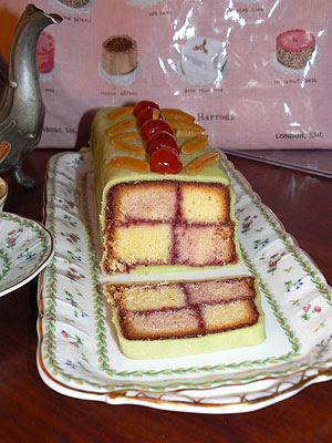 battenburg cake 1.jpg