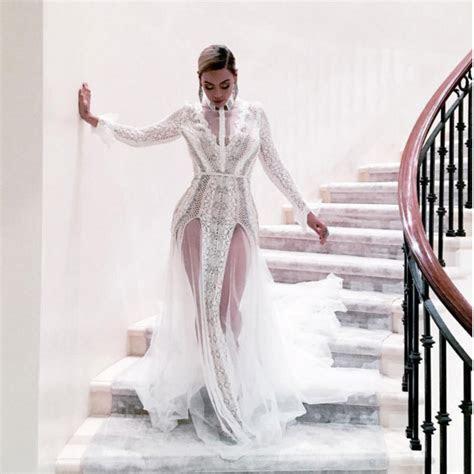 Beyonce wears wedding dress to the Grammys   Easy Weddings