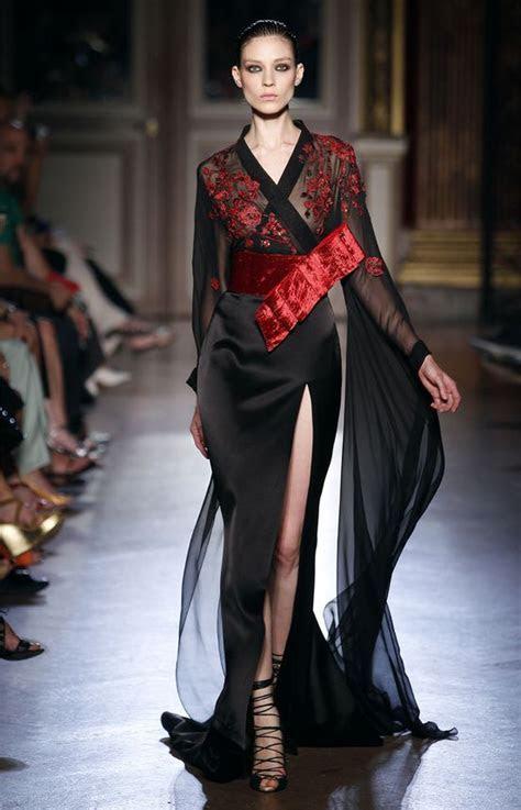 Défilé Zuhair Murad: Couture Hiver 2011 2012   Kimonos