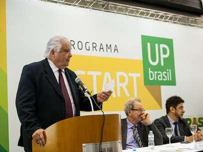 Ministro Marco Antonio Raupp durante o lançamento do programa em 2013 Foto: Divulgação