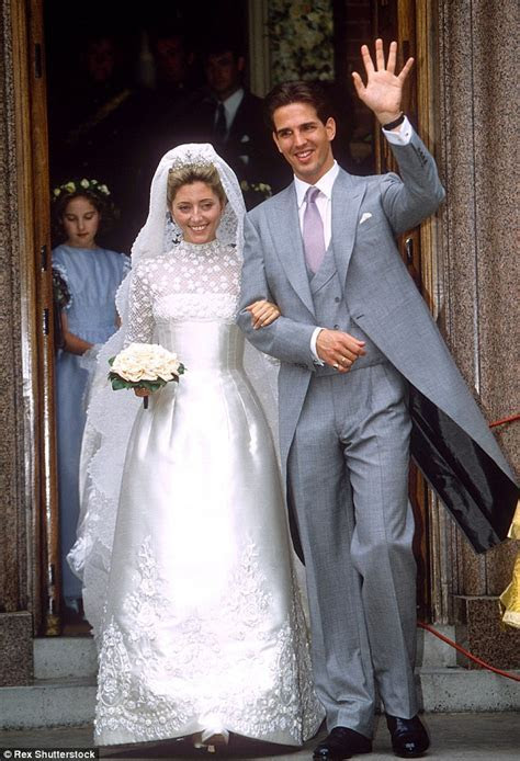Nicky Hilton's wedding dress mimics Kate Middleton and