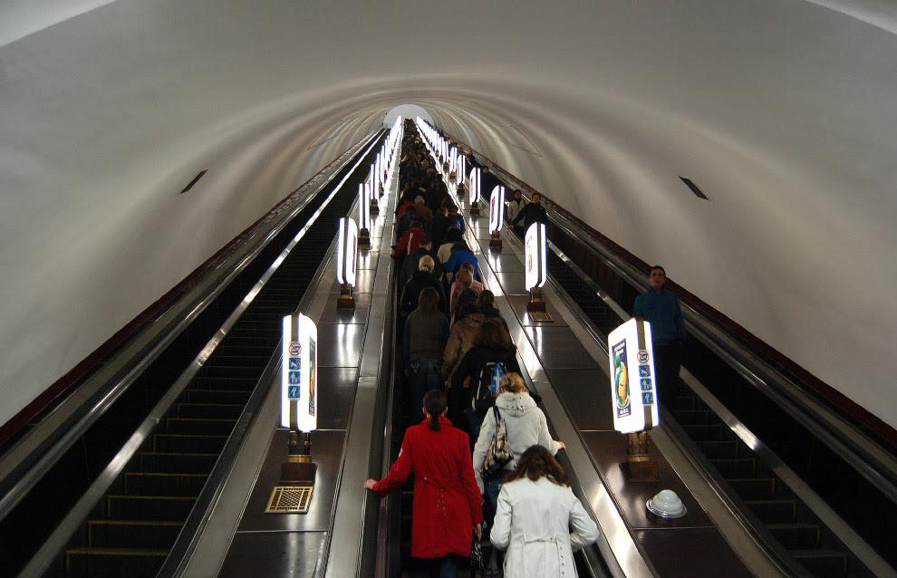 глибина залягання станції Київського метрополітену «Арсенальна»