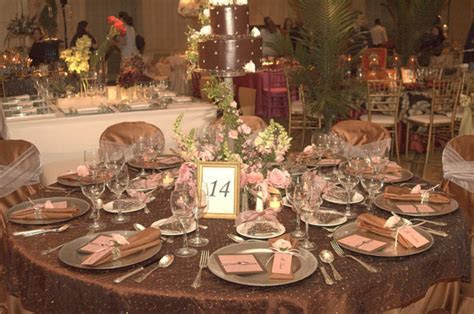 Dili's blog: Pink and Chocolate Brown Color Scheme Wedding