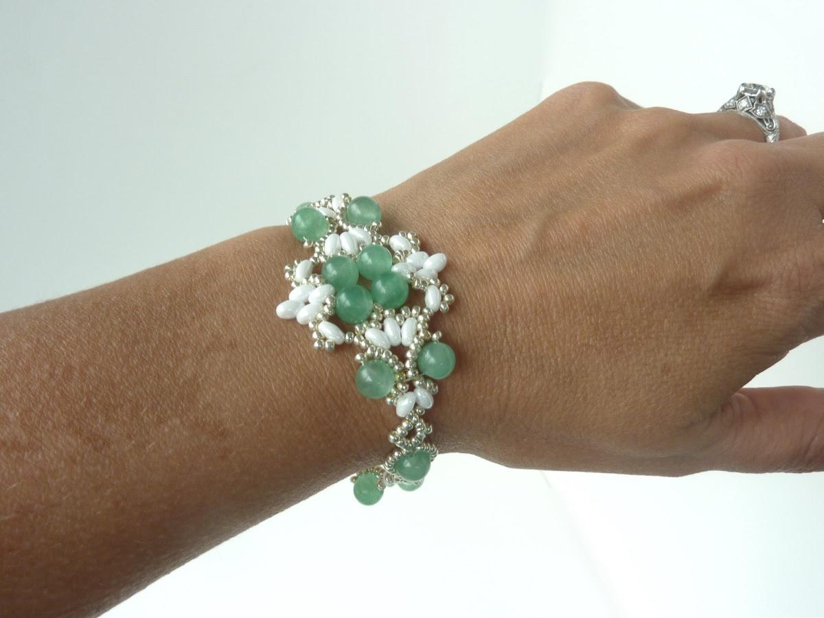 FREE beading pattern: Lotus Lace Bracelet