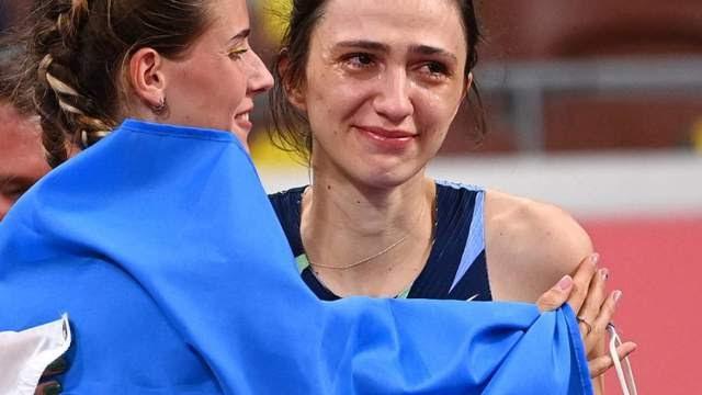 Россиянка Ласицкене обнялась с соперницей-украинкой после победы на ОИ