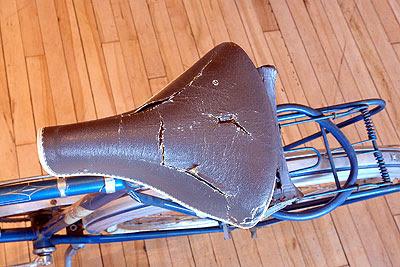 Saddle on men's Rebeneick