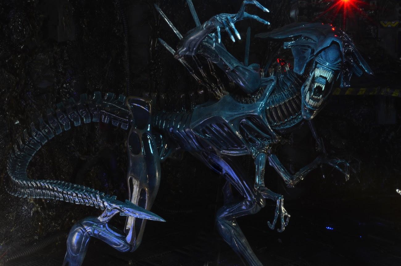 Aliens Xenomorph Queen Ultra Deluxe Boxed Action Figure - aliens xenomorph queen deluxe figure